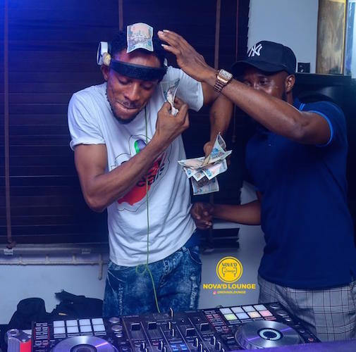 Omah Lay - Godly (Amapiano Version) Ft. DJ Fletzy Binlatino