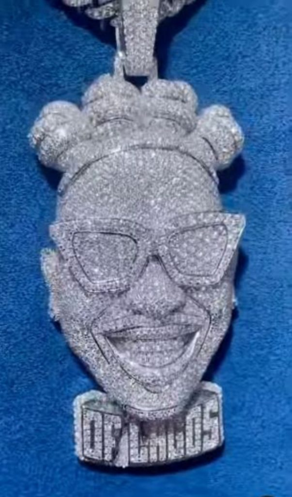 mayorkun-acquires-customized-diamond-pendant-worth-over-n14m
