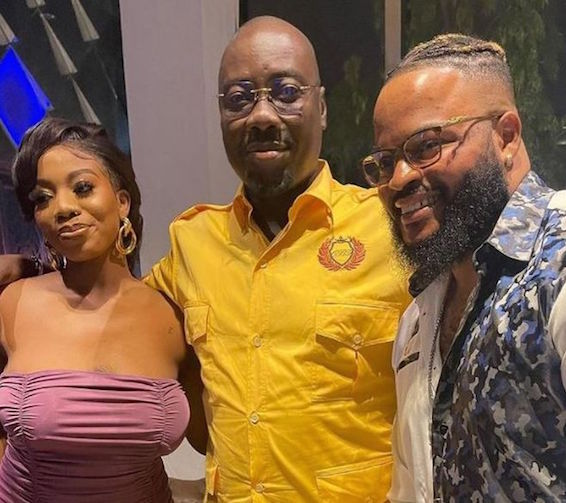 Video Whitemoney, Angel Meets Billionaire, Obi Cubana